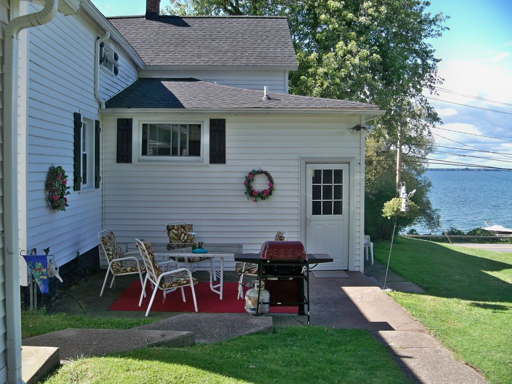 cape-vincent-ny-house-waterfront-cottage-rental-thousand-islands-11